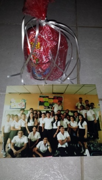 Gift from students of 11th grade A at Guillermo Cano!