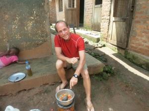 Uganda - Kaboli katowa kakoa omutwe wako inali okwaliko