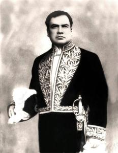Ruben_Dario-traje-diplomatico