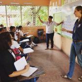 "Ts:""This is..."" Ss:""...ENGLISH CLASS!"" #peacecorpsnicaragua #peacecorps #teacherlife #howiseepc #school #learning #tefl #mytown #bloggingabroad #BAphotochallenge"