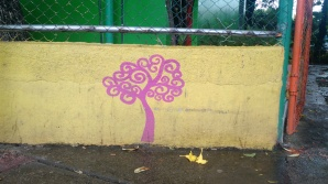 I used to fill the margins of my notebooks with swirly plants and trees, but this colorful #treeoflife is now forever imprinted in my brain as the symbol of the Sandanista political party, the current party of power here in Nicaragua. If you ever visit, you'll see them everywhere.